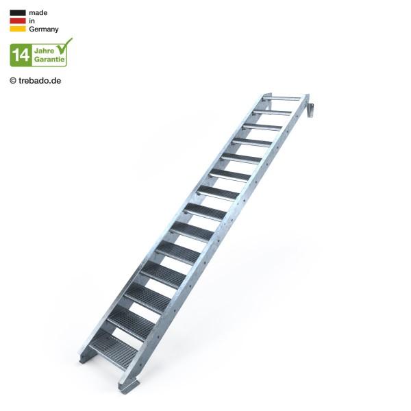 14-stufige, geradläufige Treppe, ohne Geländer und 60 cm langen Stufen